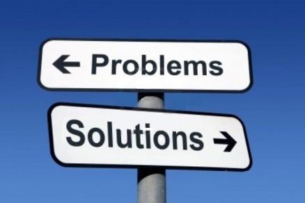 panneau-indiquant-la-direction-a-des-problemes-et-des-solut